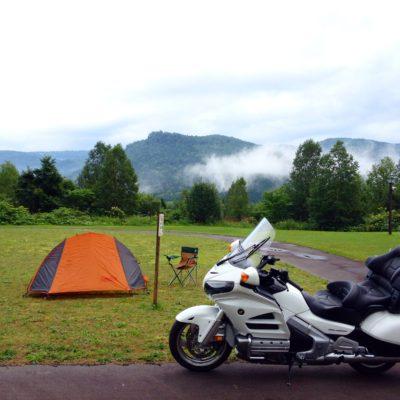 バイクでキャンプ